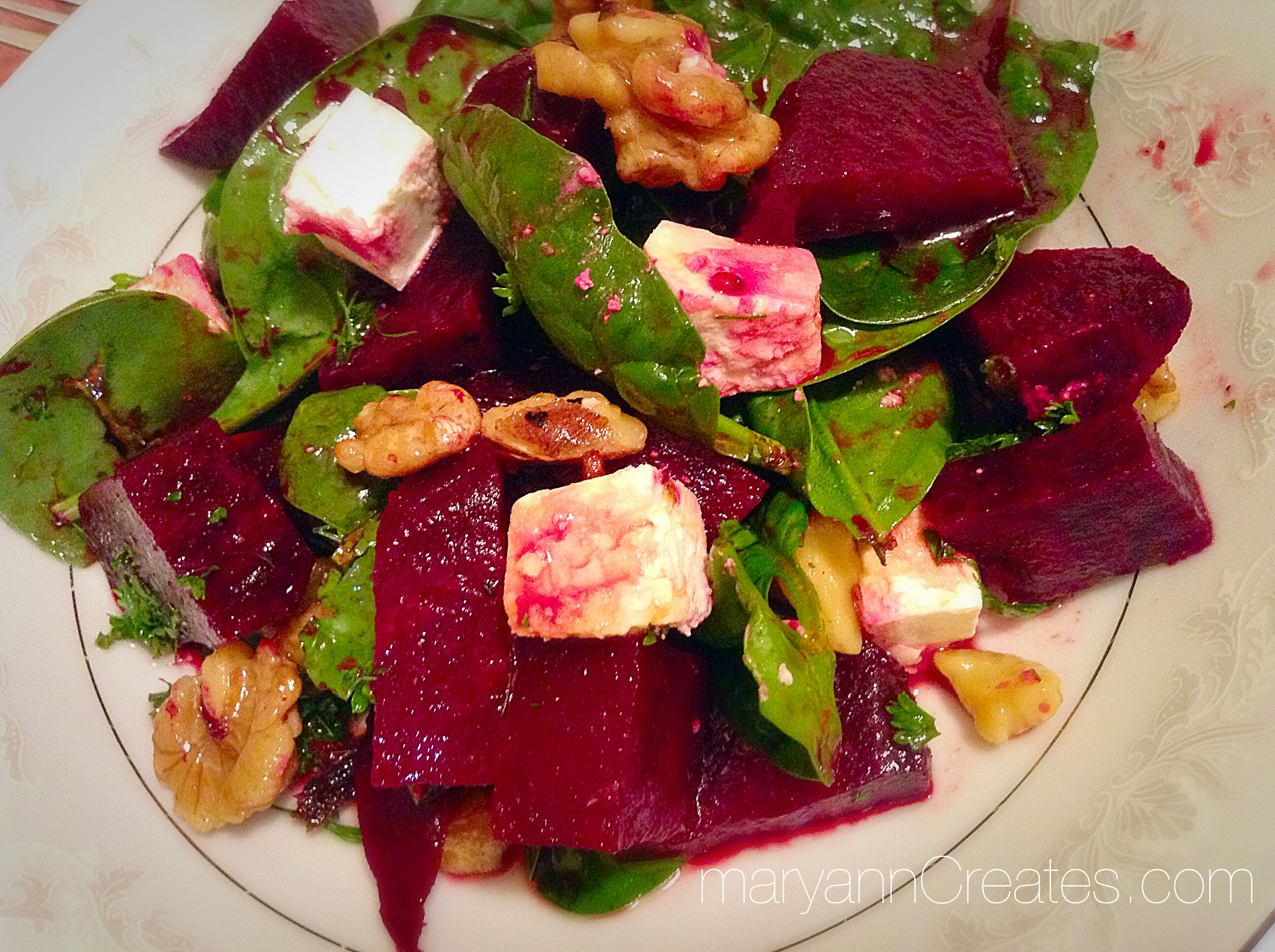 Beetroots, feta and spinach salad with pomegranate dressing